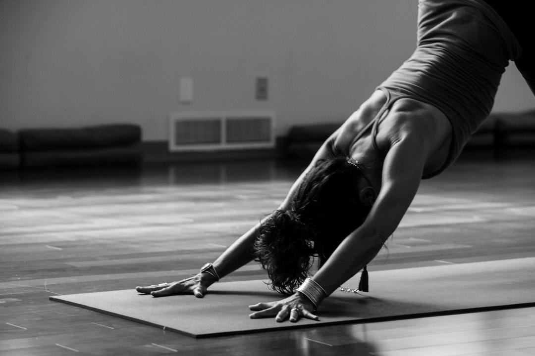 Comment soulager le mal de dos grâce au Yoga